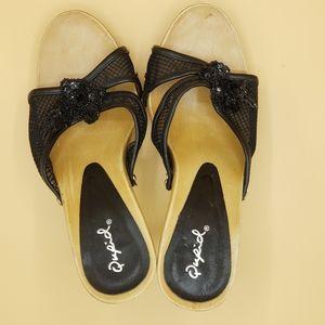 Qupid open toe heels size 7